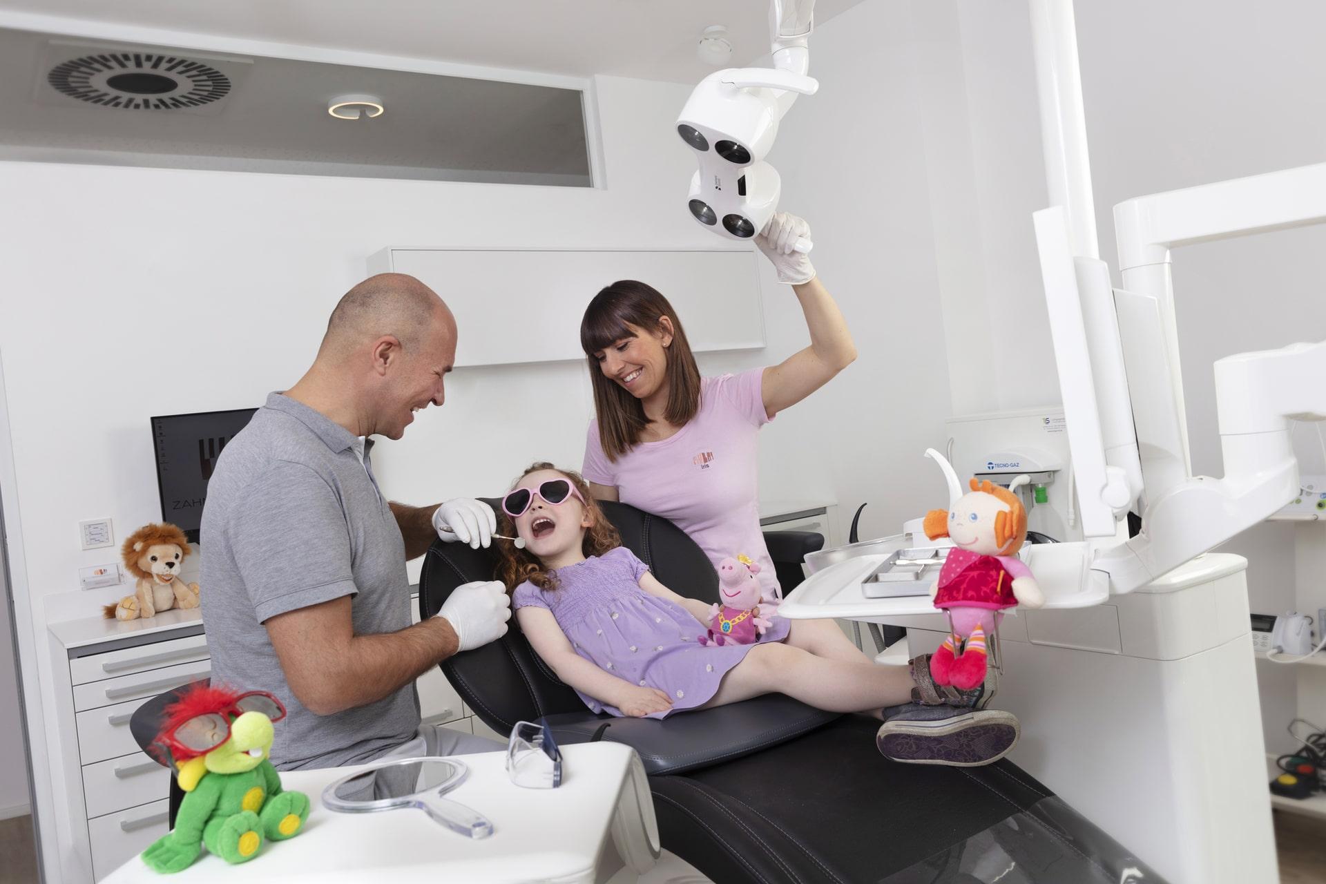 Kinder Zahnarzt Tirol - Dr. Lars Heidenreich